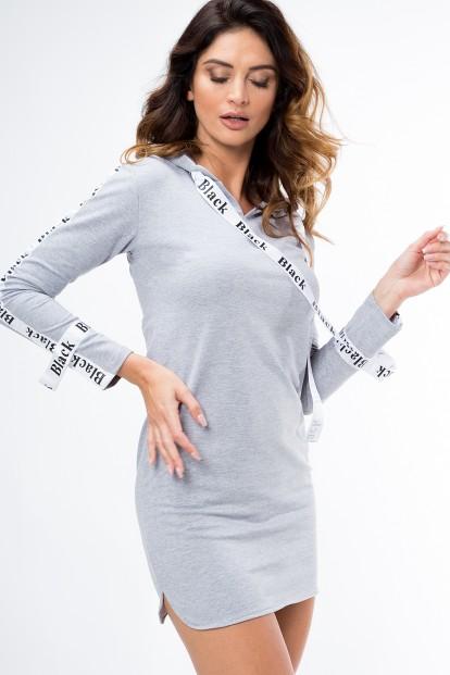Moderné šaty s dlhým rukávom ozdobeným nášivkou, sivé