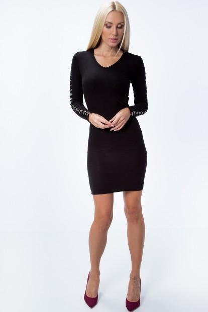Šaty so striebornými malými kolesami na rukávoch, čierne