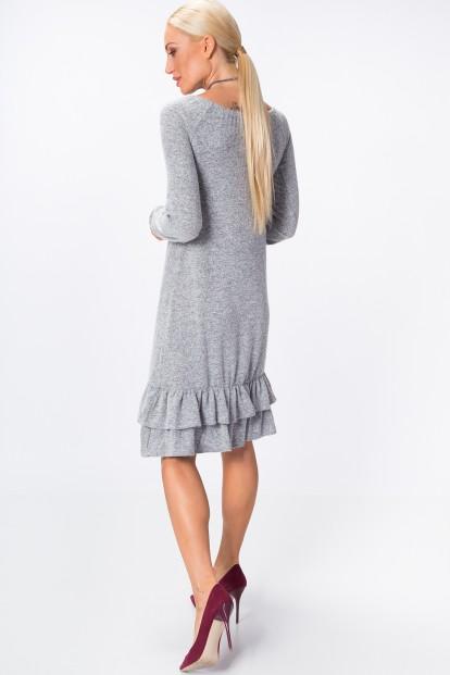 Šaty so zvonovou sukňou ozdobenou jemnými volánmi na spodnom okraji, sivé