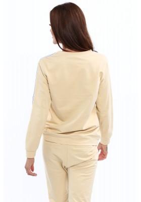Mikina z béžovej bavlny je ozdobená modernými pruhmi na rukávoch