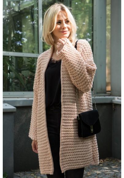 Voľný, pohodlný sveter so širokými rukávmi, púdrový