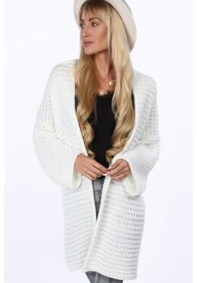 Voľný, pohodlný sveter so širokými rukávmi, krémový