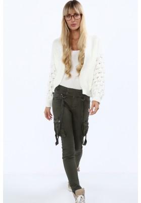 Štýlový, krátky sveter s dlhými rukávmi a nádherným vzorom, krémový