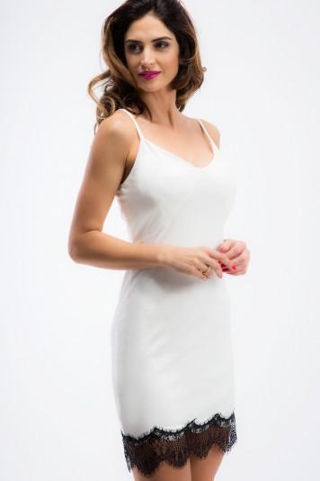 Sexi, smotanové šaty na ramienka s čipkou.