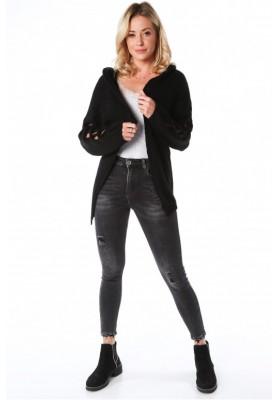 Voľný oversize sveter s prepletaným vzorom na rukávoch , čierny