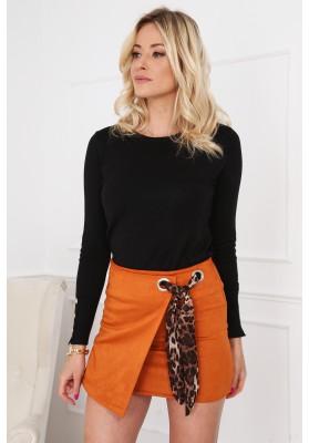 Semišová mini sukňa s nápaditým opaskom, oranžová