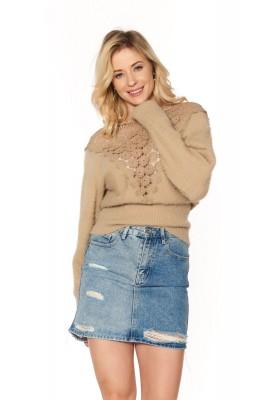 Dámsky sveter s čipkovým výstrihom na chrbte, hnedý