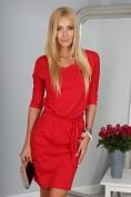 Štýlové červené šaty s viazaním okolo pásu