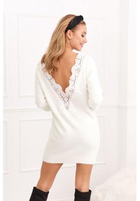 Dlhý sveter s čipkovaným výstrihom na chrbte, krémový