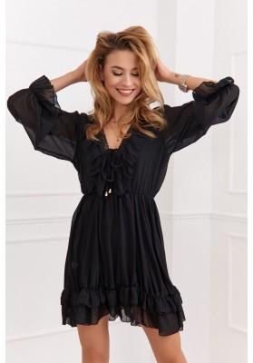 Jemné moderné šaty s výstrihom a jemnými volánmi, čierne
