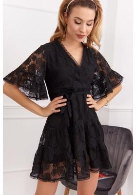 Elegantné, čierne čipkové šaty s ¾ volánovým rukávom