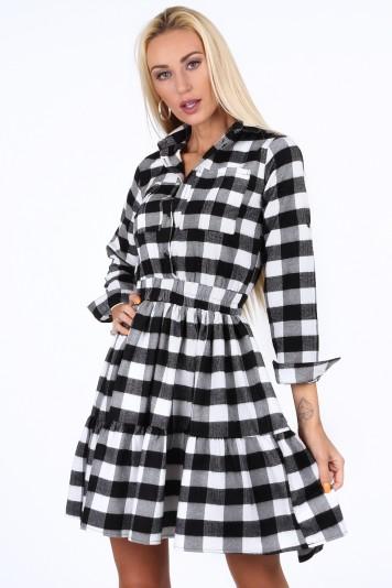 Čierno-biele kockované dámske šaty