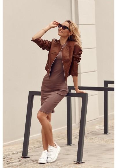 Fantastické, jednoduché šaty s krátkymi rukávmi, hnedé