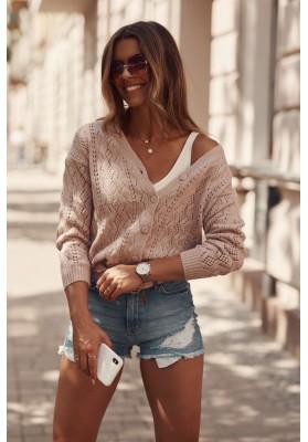Jemný, ružový sveter so zapínaním na gombíky