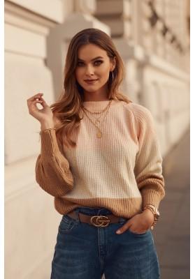 Moderný dámsky sveter, vyrobený z jemnej látky,  lososový