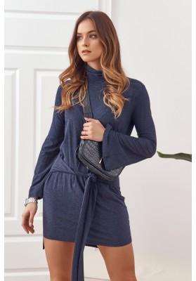 Asymetrické šaty s rolákom a dlhými rozšírenými rukávmi, modré