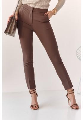 Úzke nohavice s naznačenými záhybmi, hnedé