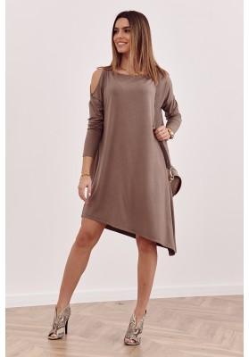 Asymetrické oversize šaty s odhalenou časťou na ramene, hnedé