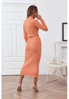 Pletená dámska súprava so sukňou a topom, lososová