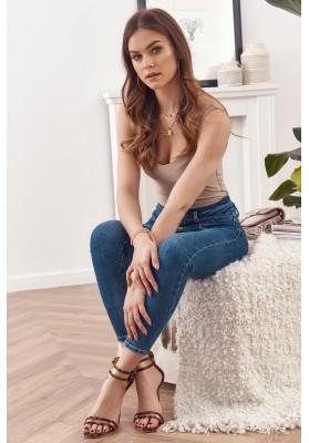Tmavomodré rifľové nohavice s gombíkmi a s ozdobným širokým pásom