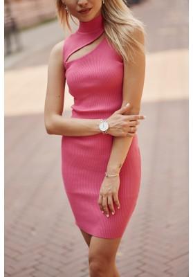 Pohodlné mini šaty  so vsadeným otvorom nad prsiami, ružové
