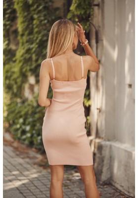 Nadčasové, priliehavé šaty v mini dĺžke na ramienka, lososové