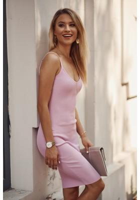 Nadčasové, priliehavé šaty v mini dĺžke na ramienka, fialové