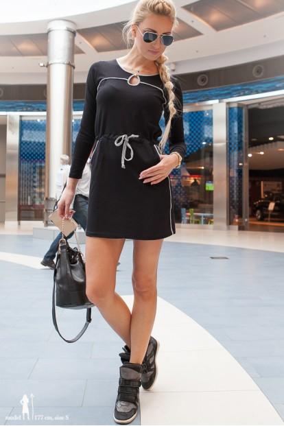 Šaty čierne s dlhými rukávmi