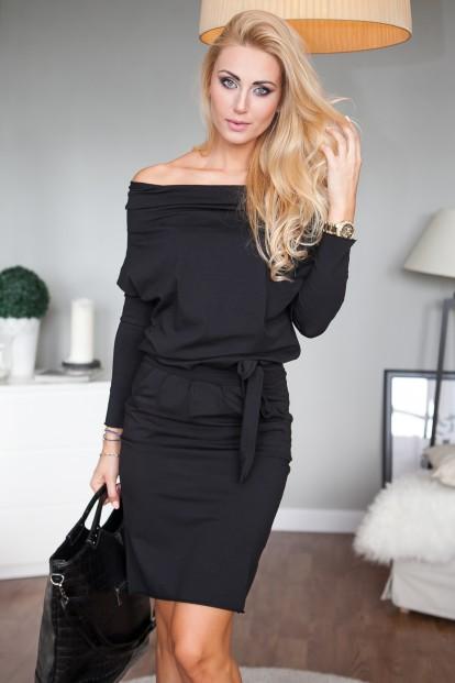 Čierne šaty s dlhými rukávmi