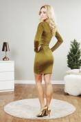 Olivové šaty dopnené aplikáciou zipsov
