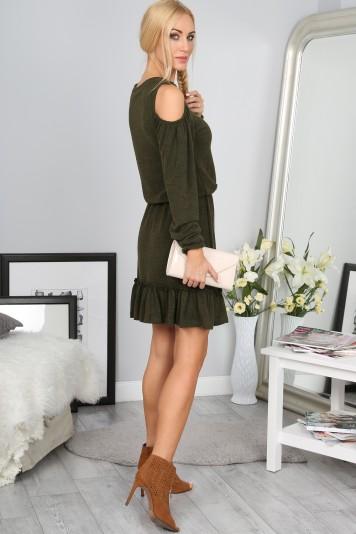 Krásne kaki šaty s výrezmi na pleciach