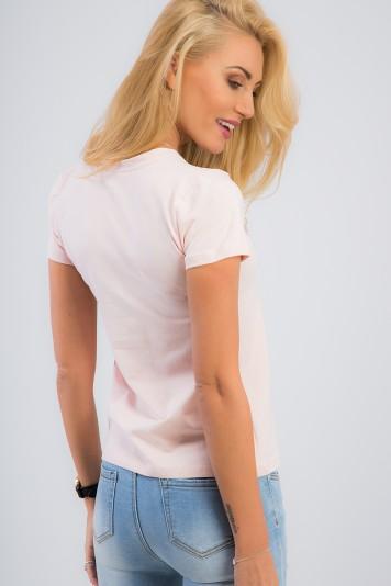 Basic, svetloružové tričko s nášivkou.