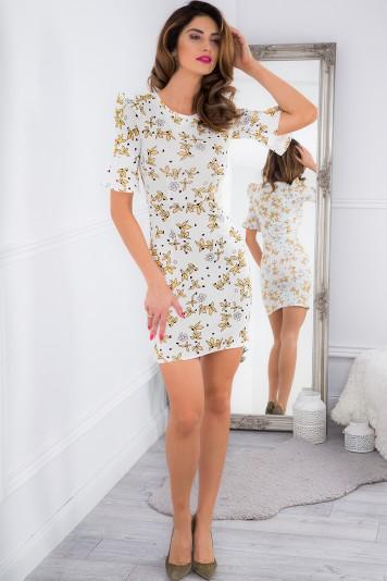 Smotanové mini šaty so zlatými vzormi a volánmi.