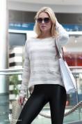 Skvelý dámsky pruhovaný sveter