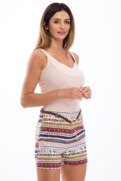 Trendy, viacfarebné šortky s aztéckymi vzormi a opaskom.