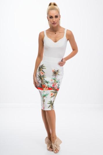 Letná, smotanová, puzdrová, kvetovaná sukňa.