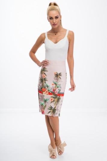 Letná, pudrová, puzdrová, kvetovaná sukňa.