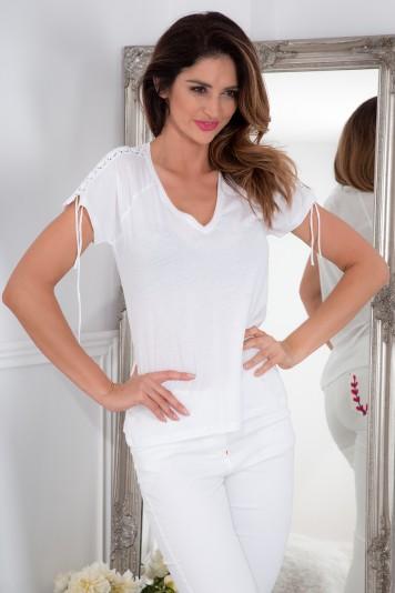 Bavlnené tričko s krátkym rukávom a  štýlovou šňurovačkou, biele