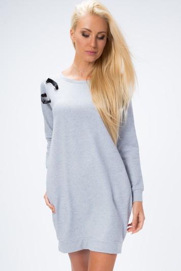 Šaty na chladné dni s bočnými vreckami a aplikáciou na ramene, sivé