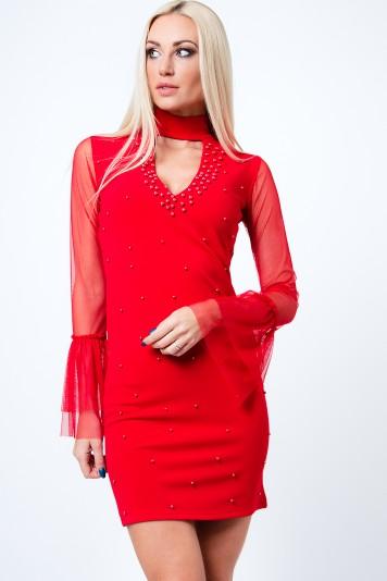 Štýlové šaty s chokerom, šifónovými rukávmi a dekoratívnymi perlami, červené