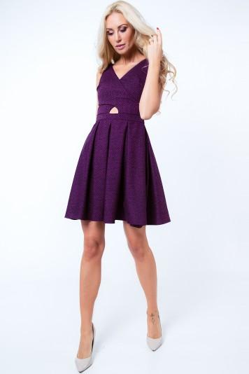 Fialové dámske šaty s motívom