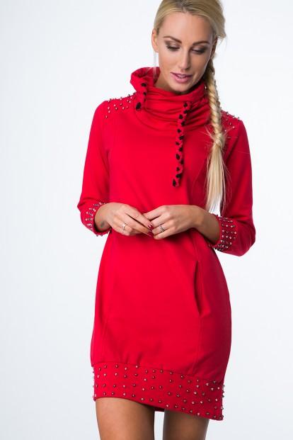 Mikinové šaty s korálkami a komínovým golierom, červené