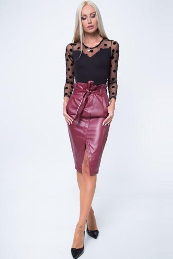 Bordová, sexi sukňa s rozparkom a bočnými vreckami