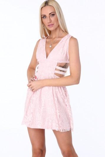 Svetloružové dámske šaty s elastickými pásmi na bokoch