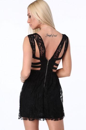 Čierne dámske šaty s elastickými pásmi na bokoch
