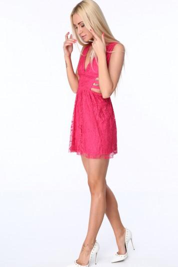 Ružové dámske šaty s elastickými pásmi na bokoch
