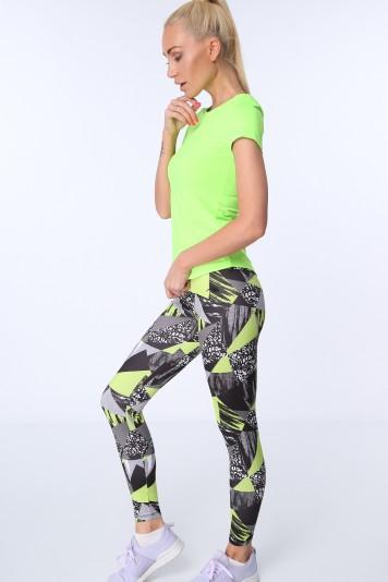Čierno-zelené dámske športové legíny s atraktívnym vzorom