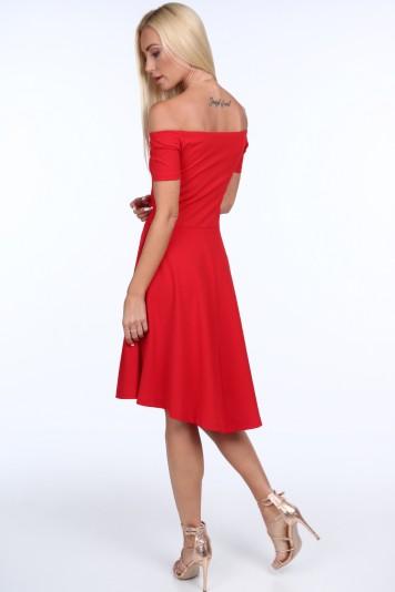 Červené dámske šaty so španielskym výstrihom