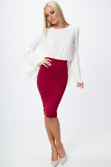Bordová dámska sukňa v minimalistickom štýle