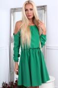 Zelené dámske šaty s odhalenými ramenami